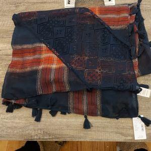 Cute tassled scarf/shawl/wrap